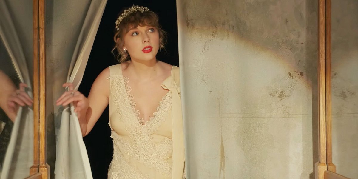 Taylor Swift in the Willow music video