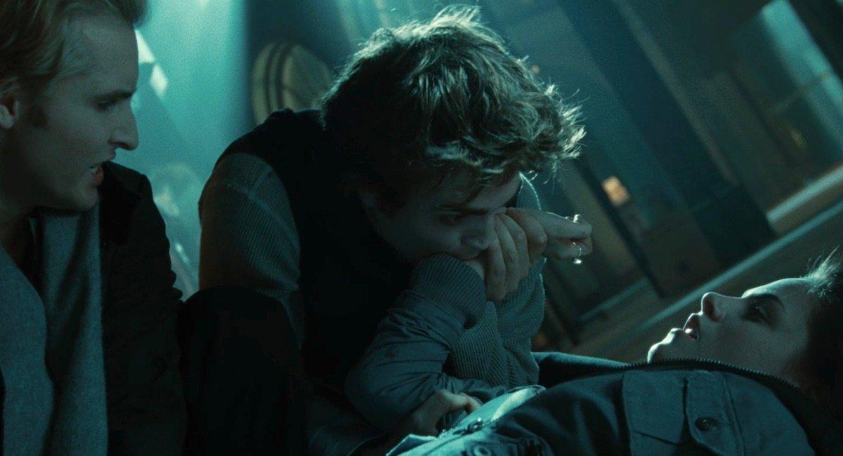 Edward drinking Bella's blood in Twilight