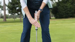 Claw grip for putting