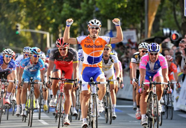 Oscar Freire wins Paris-Tours 2010
