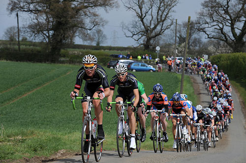 Rob Hayles leads chase, East Midlands CiCLE Classic 2010