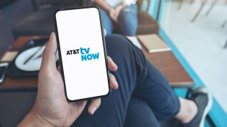 Telecom halves the 1.35 million customers it lost in the same period of 2019