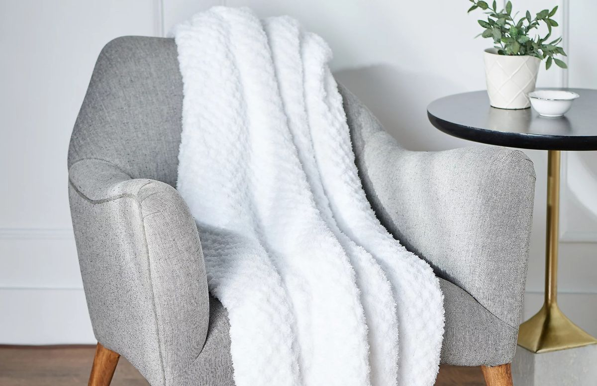 The Chrissy Teigen-approved Barefoot Dreams blanket is 25 percent off at Nordstrom