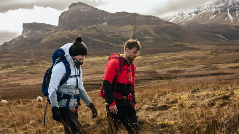 Backpacking vs flashpacking: which kind of travel is best for you?