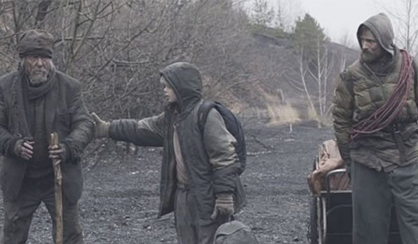 Robert Duvall and Viggo Mortensen in The Road