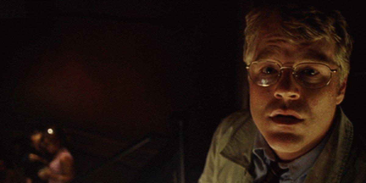 Jacob Elinsky (Phillip Seymour Hoffman) with glasses