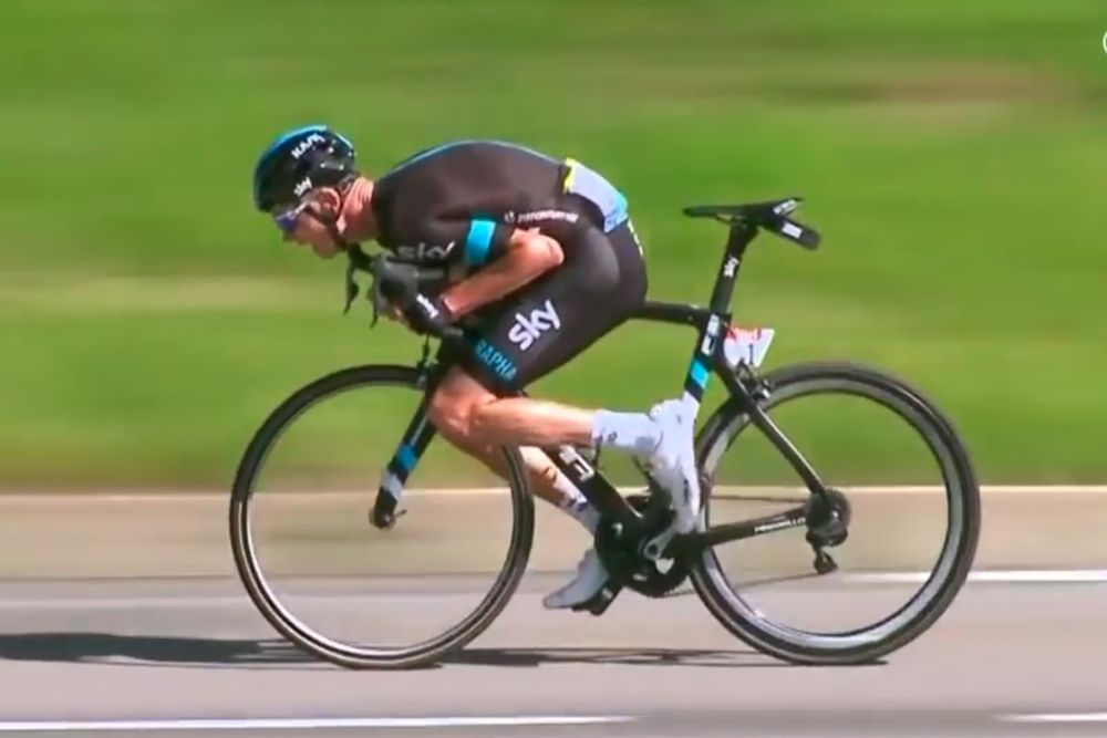 Why Chris Froome's unusual descending style isn't as fast ...