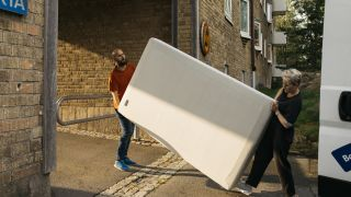 How to dispose of a mattress: A guide to mattress donation and mattress recycling