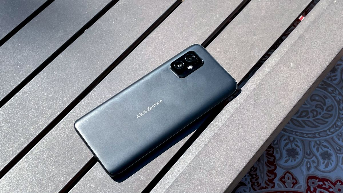 Asus Zenfone 8 review: The best small Android phone, hands-down