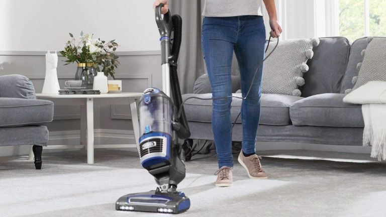 Shark vacuum cleaner Lift-Away less than half price this Black Friday