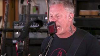James Hetfield singing