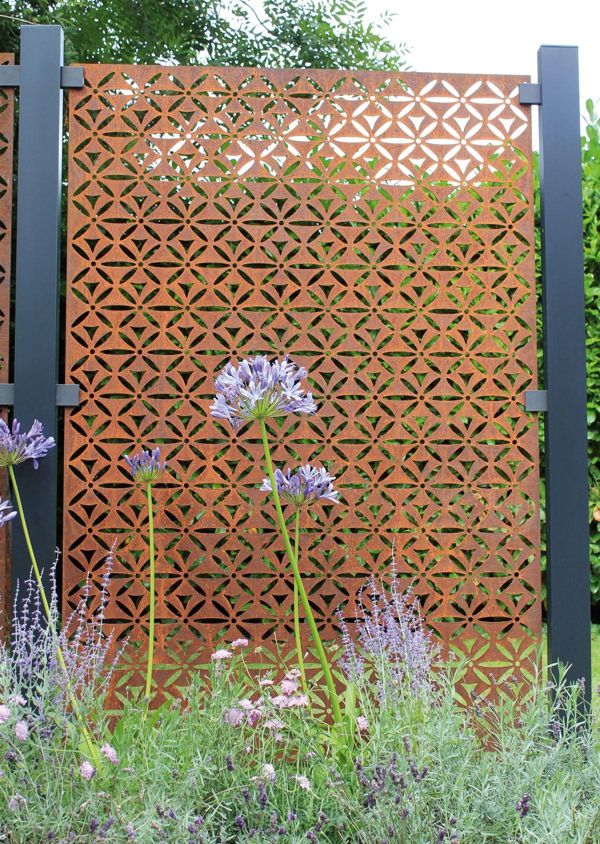 Garden Fence Ideas 15 Stylish Designs