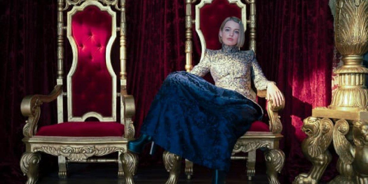 Princess Gwen on the throne.