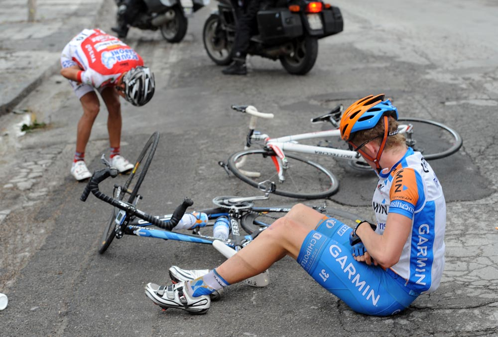 Cameron Meyer crash, Giro d'Italia 2010, stage nine