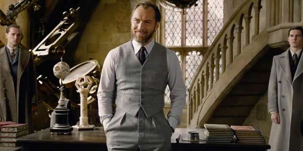 Jude Law as gay Albus Dumbledore