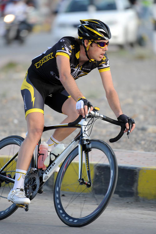Alex Dowsett on a break, Tour of Oman 2010, stage two