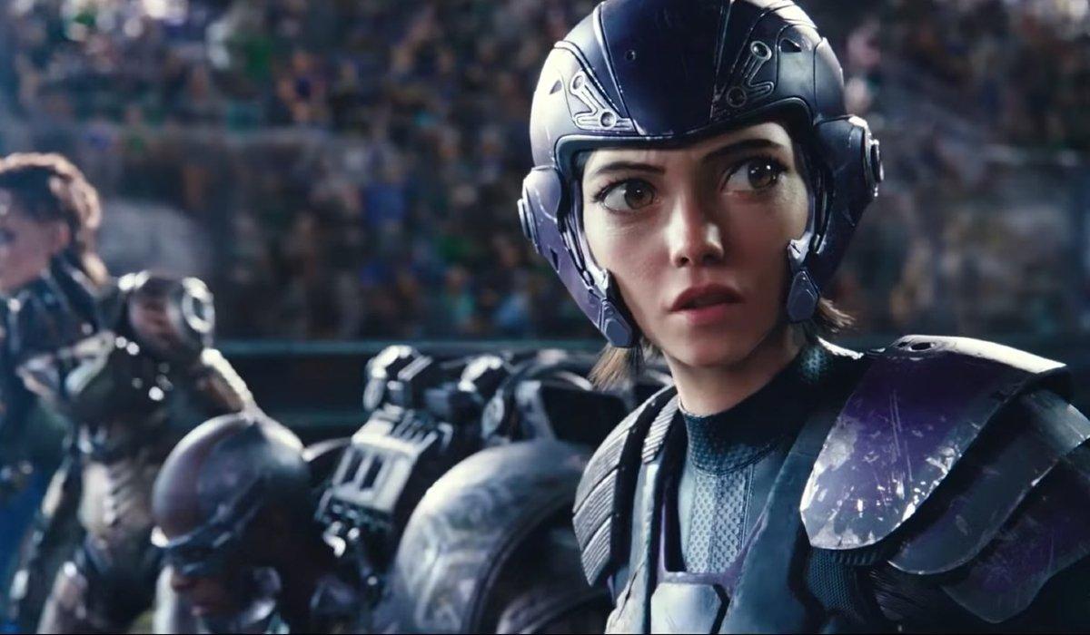 Alita: Battle Angel Alita in full armor, on the starting line