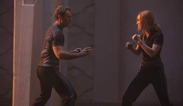 Carol Danvers fighting Yon-Rogg in Captain Marvel