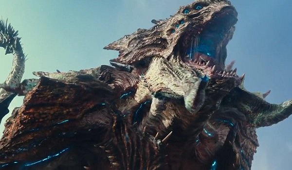 Pacific Rim Uprising Mega Kaiju roaring above the city
