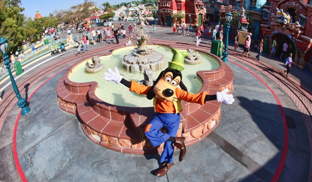 Goofy at Mickey's ToonTown