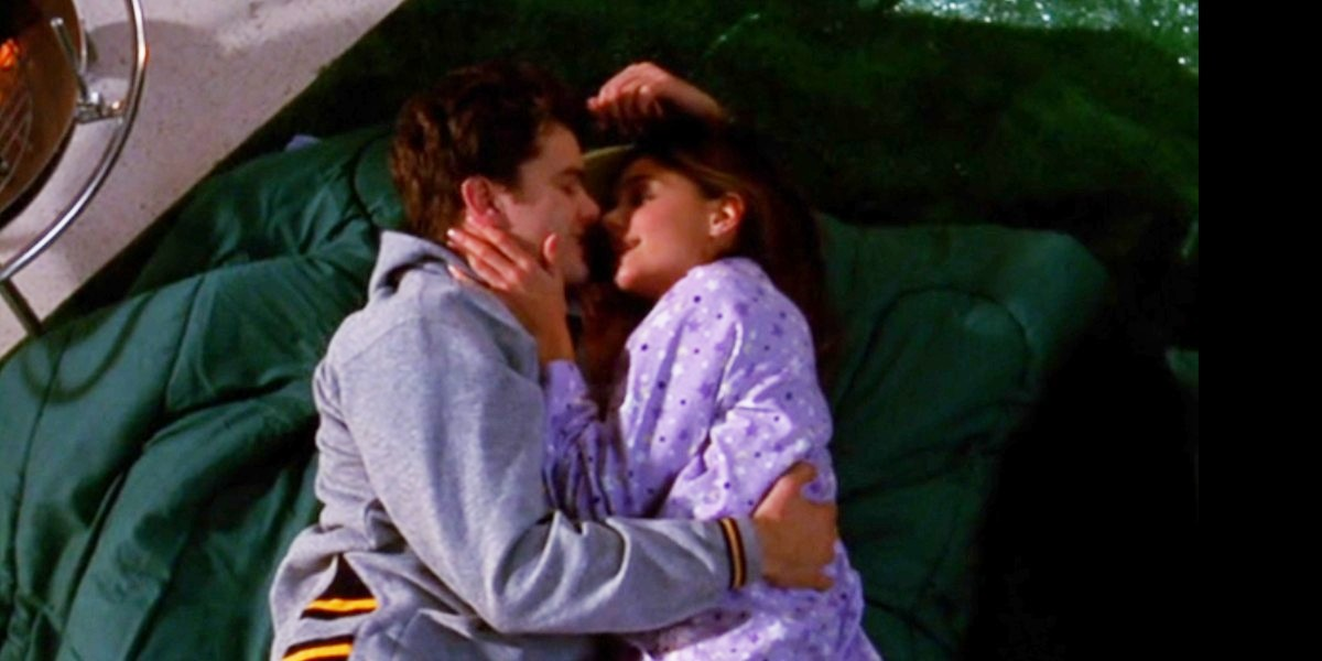 Joshua Jackson and Katie Holmes in Dawson's Creek Castaways
