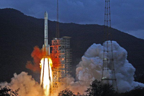 lunar orbiter spacecraft arrives in sriharikota - photo #25