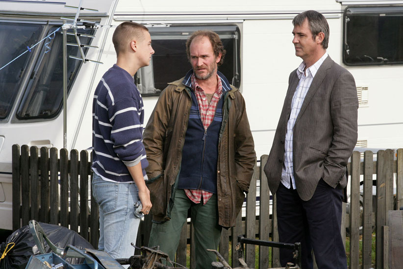 Eddie has trouble with travellers