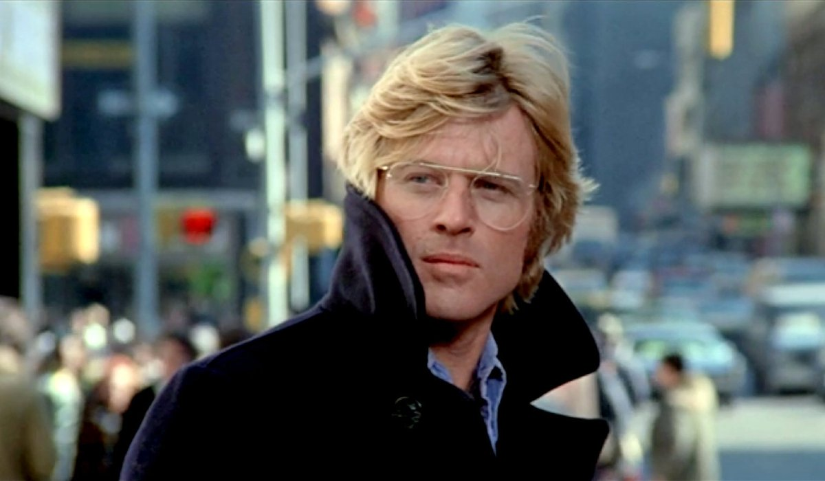 Three Days of the Condor Robert Redford out on the street, with his coat collar turned up