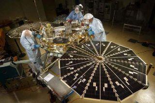 Mars Phoenix Spacecraft Corrects Course