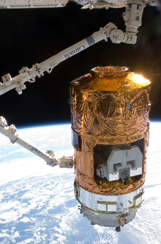 Kounotori2 H-II Transfer Vehicle (HTV2) Grappled at the ISS