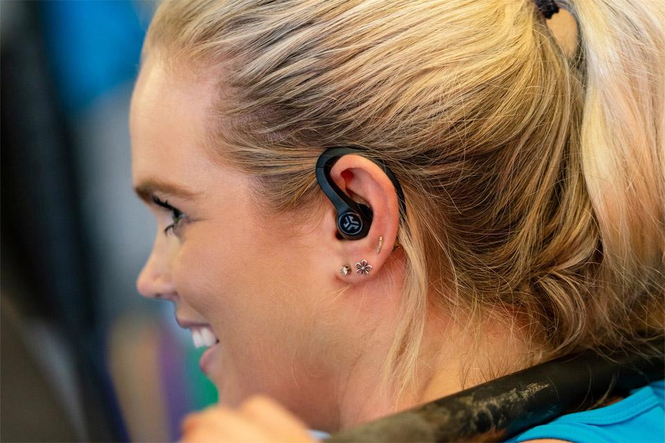 Melhores fones de ouvido esportivos: JLab JBuds Air Sport True Wireless Earbuds