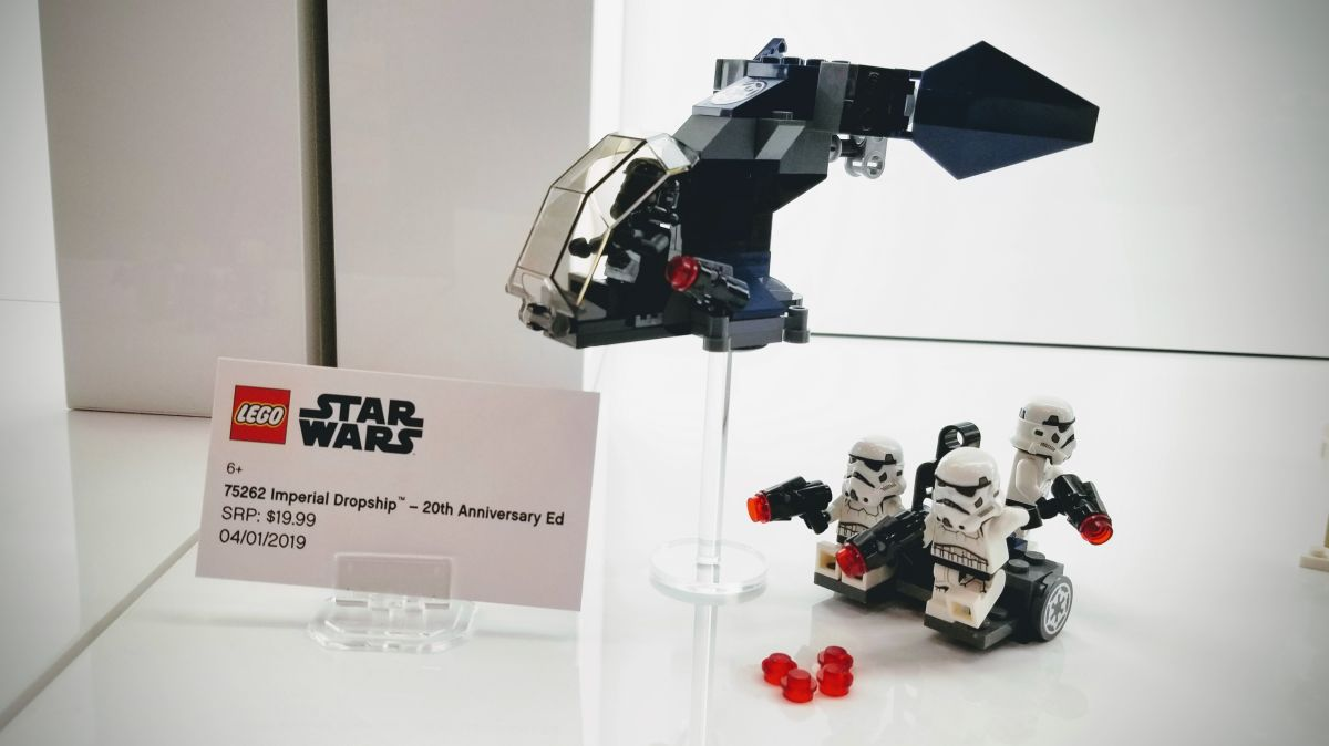 Lego Celebrates 20 Years of 'Star Wars' Sets With Special