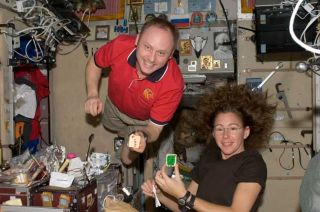 Shaky Space Station Doesn't Rattle Astronauts