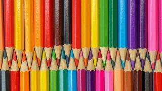 best pencils for artists: rows of coloured pencils