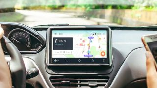 Waze directions in a car: Best Waze tips and tricks