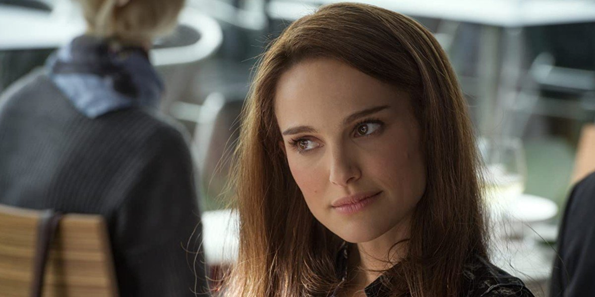 Watch Natalie Portman Joke About Wielding Thor's Hammer In Love And Thunder
