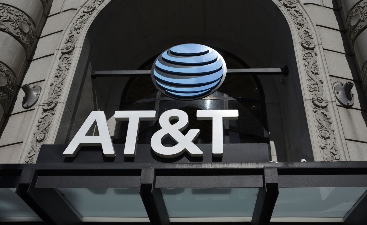 AT&T Just Forced Customers to Pay More for 'Bonus' Data