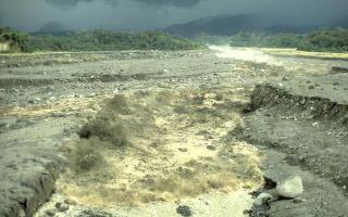 lahar-volcano-101111-02