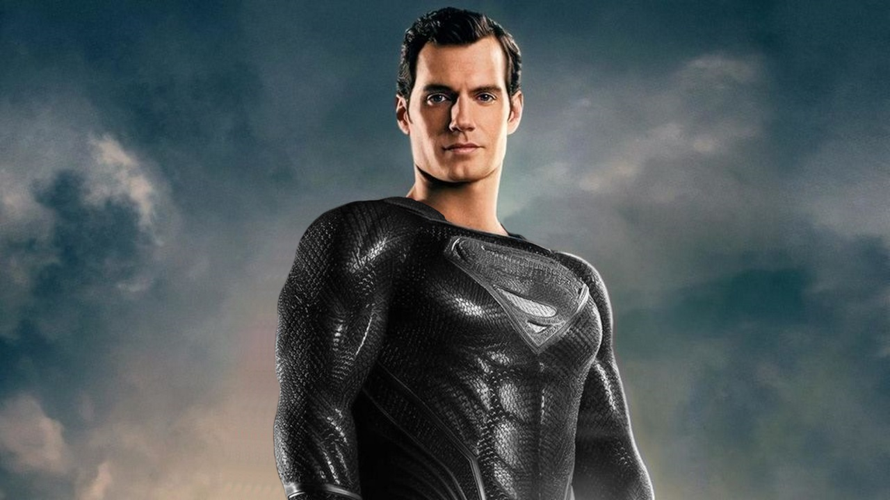 Why Justice League didn't have Superman in his black suit ...