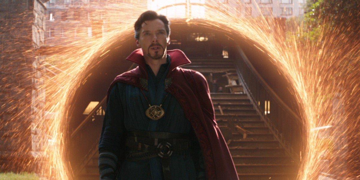 Doctor Strange arriving to help the Avengers in Avengers: Infinity War