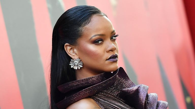 TOPSHOT - Singer/actress Rihanna attends the World Premiere of OCEANS 8 June 5, 2018 in New York. - OCEANS 8 will be released nationwide on June 8, 2018. (Photo by ANGELA WEISS / AFP) (Photo credit should read ANGELA WEISS/AFP via Getty Images)