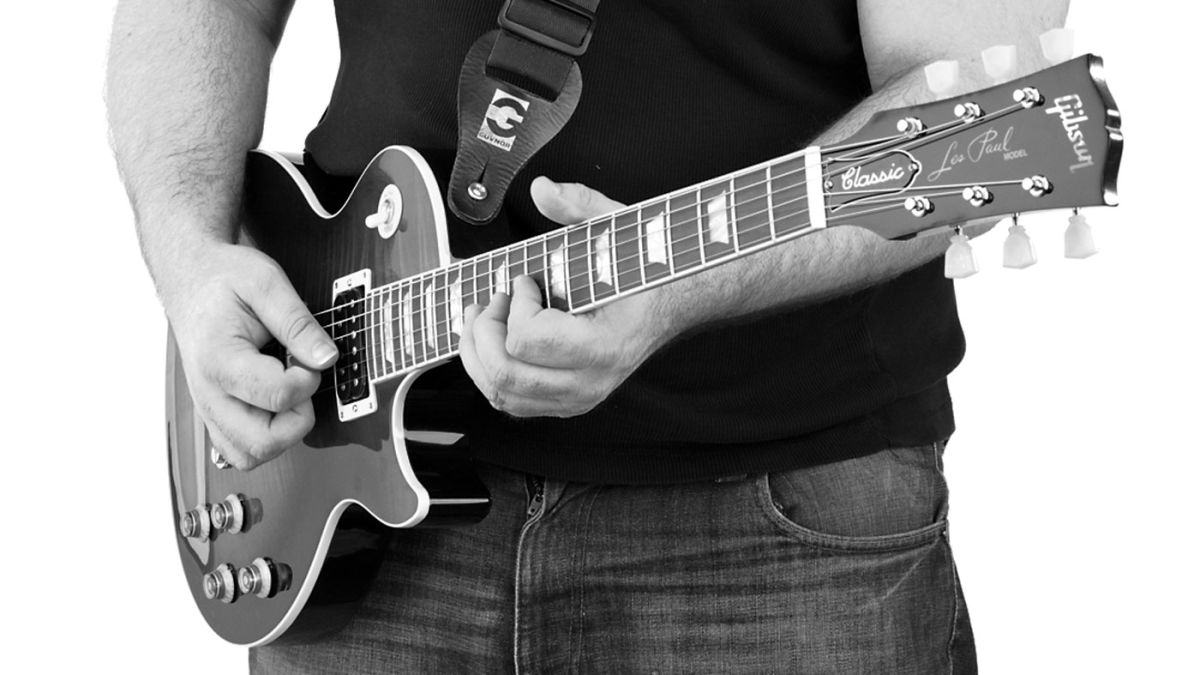 Better legato lead playing in 20 minutes with this easy guitar lesson