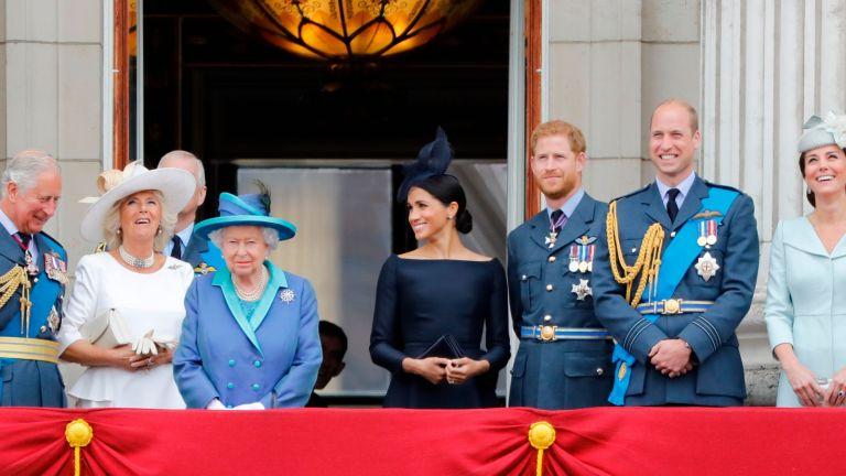 royal family on balcony