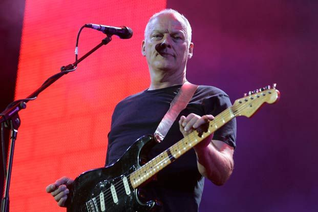 Why (and How) We Should Learn David Gilmour's Guitar Habits