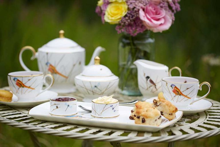 10 signs you're an afternoon tea connoisseur | Real Homes