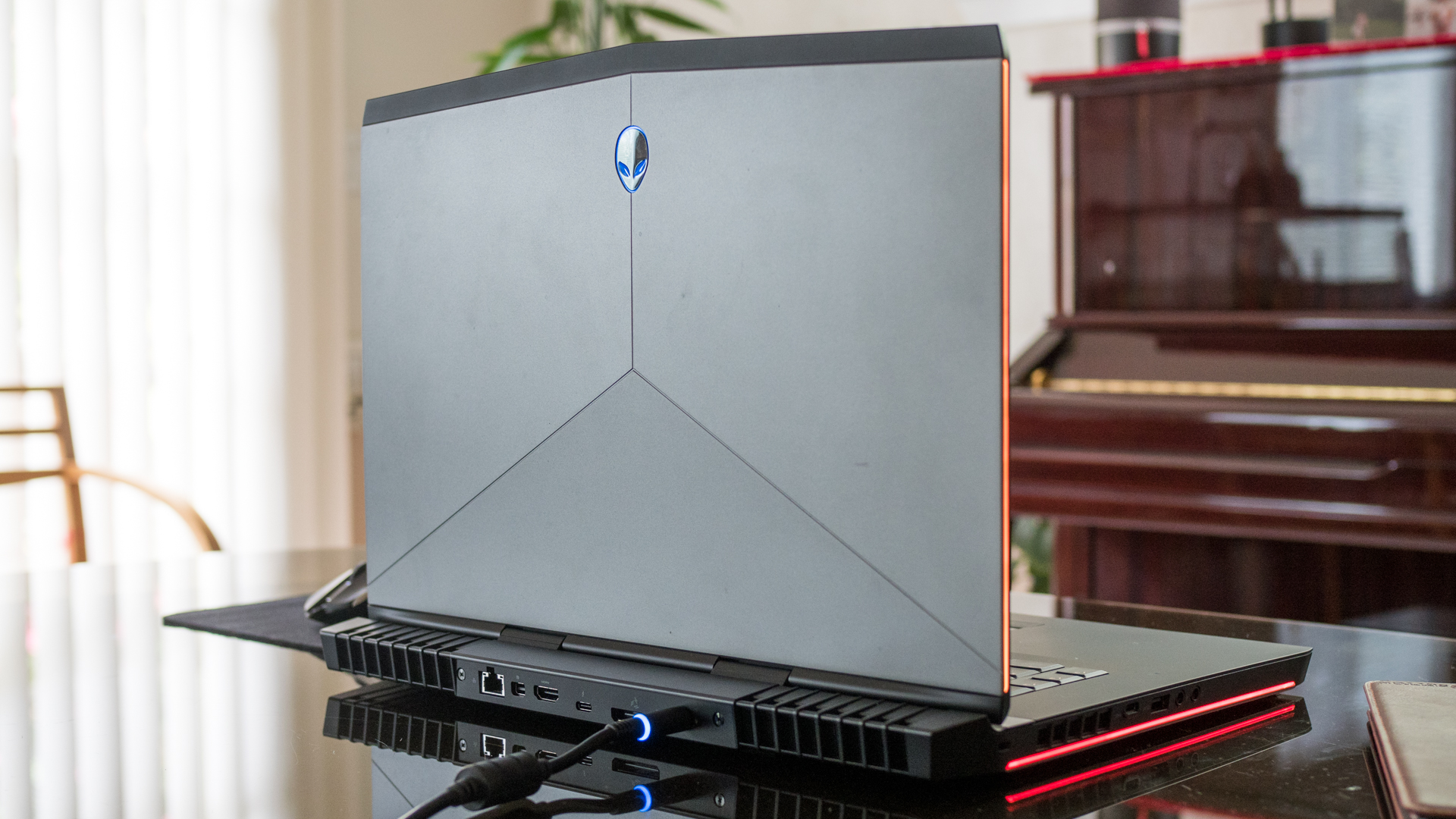 Windows 10 April 2018 Update is finally coming to all Alienware