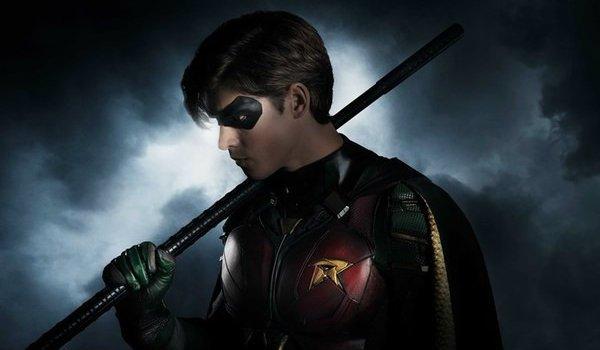 Brenton Thwaites Robin Titans