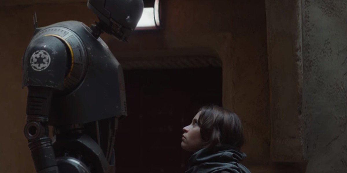 Alan Tudyk and Felicity Jones in Rogue One: A Star Wars Story